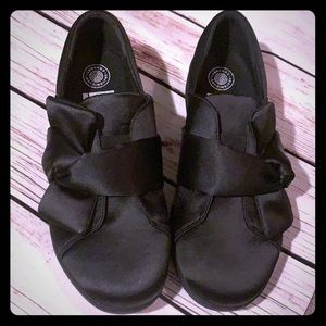 FITFLOP | black bow satin slip on sneaker